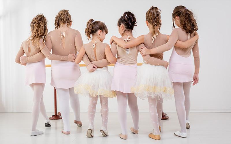 sociala media eskort dansa